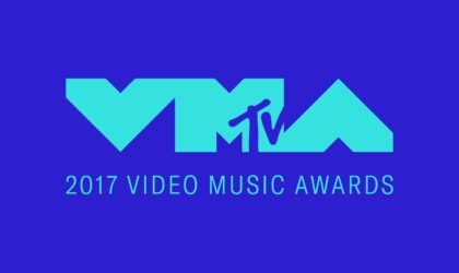 """2017 """"VMAs"""" Winners & Performances: Kendrick Lamar's """"HUMBLE."""" Video Comes Out on Top with Six Moon People"""