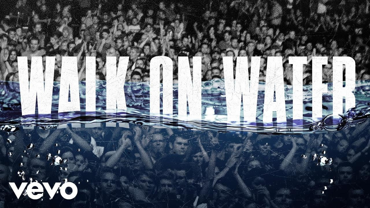 Eminem – Walk on Water (feat. Beyoncé)